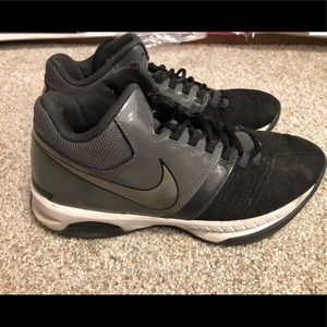 Nike Air Visi Pro 5 Athletic Shoe Size 9